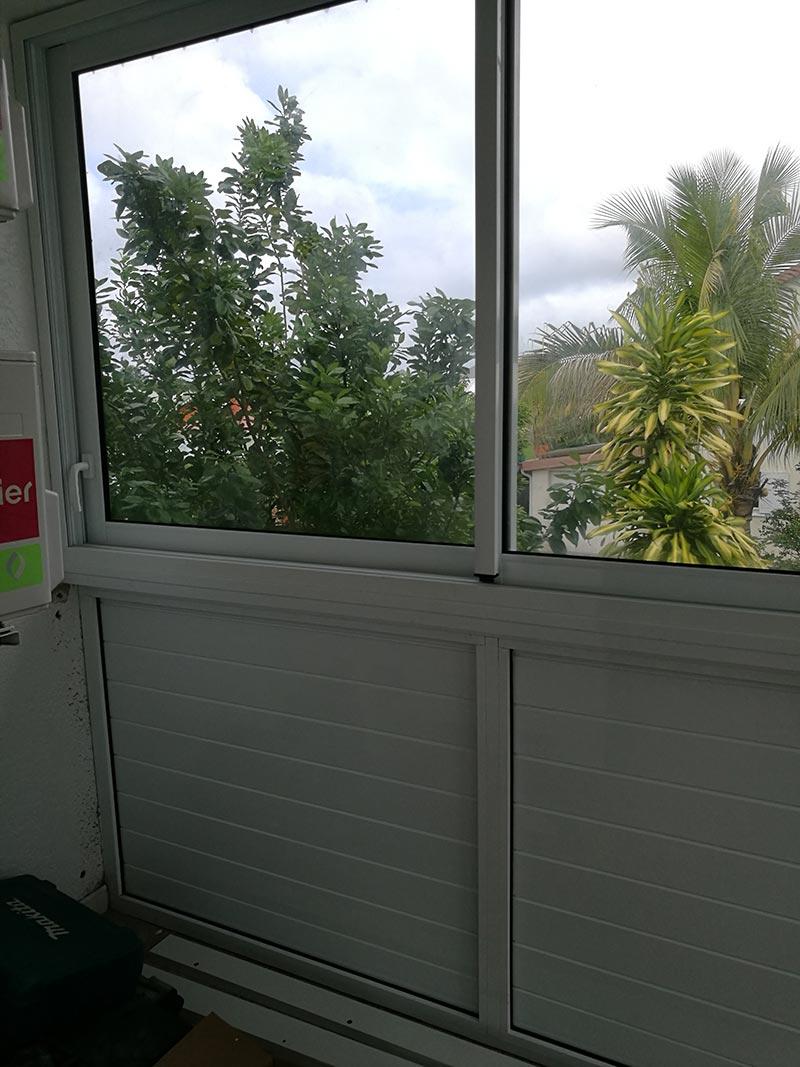 Pose d'un coulissant à Saint-André de La Réunion, BFM Fermetures