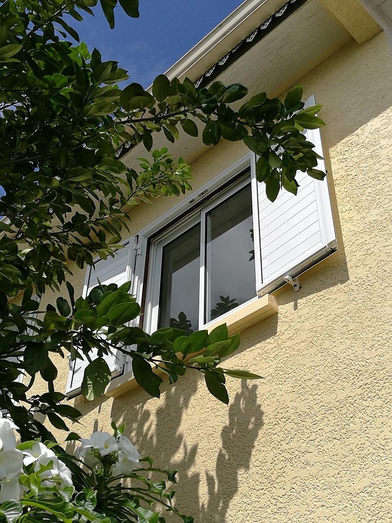 Pose de fenêtres et volets à Saint-André de La Réunion, BFM Fermetures
